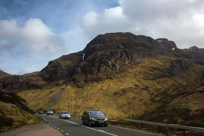 The road to Glencoe and surrounding mountains